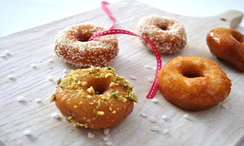 עוגיות היויו בסירופ סוכר מתוק וריחני