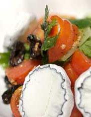 סלט עגבניות בשלל צבעים