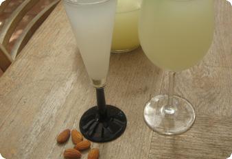 Soumada - משקה שקדים יווני