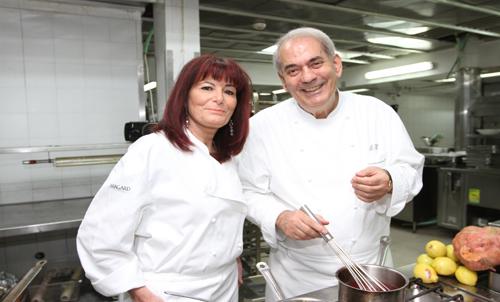 נפגשתי במטבח ליום בישול עם האיש והאגדה השף שלום קדוש